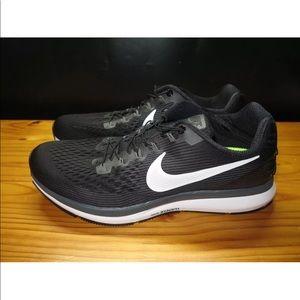Nike Air Zoom Pegasus 34 Flyease Running Shoe